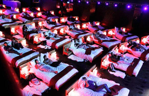 オリンピアミュージックホール フランス 映画館 ユニーク 個性的