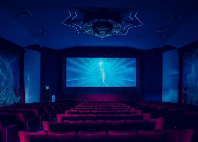 オリンダ・シアター カリフォルニア 映画館 ユニーク 個性的