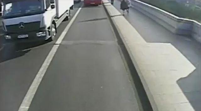 ジョギング中 事故 車道