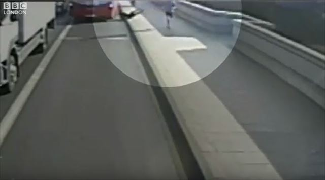 ジョギング 事故 動画