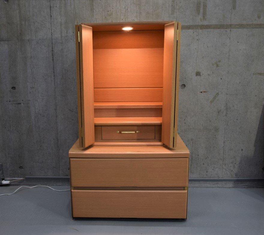 明和電機の社長が亡き母のためにベッドから作った仏壇が凄い