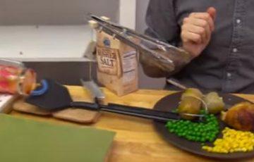「ピタゴラを極めた天才現る」と言わせしめた食事中のピタゴラスイッチの動画が凄いと話題に!