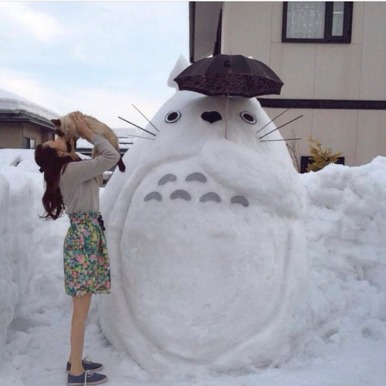 【もはや雪ダルマではない】ガチ本気モードでつくられた雪だるまが凄い!【アニメ】