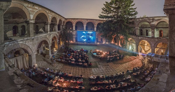 クリエイティブ・ドキュメンタリーフィルム・フェスティバル マケドニア 映画館 ユニーク 個性的