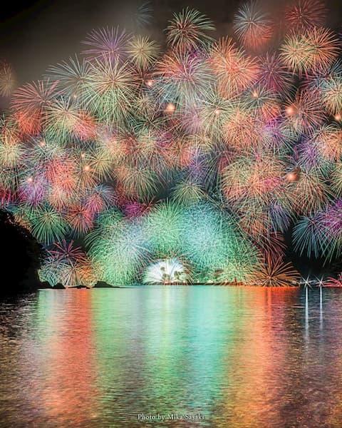 【千輪菊】三重県紀北町「きほく燈籠祭」の大花火が美しいと話題に!