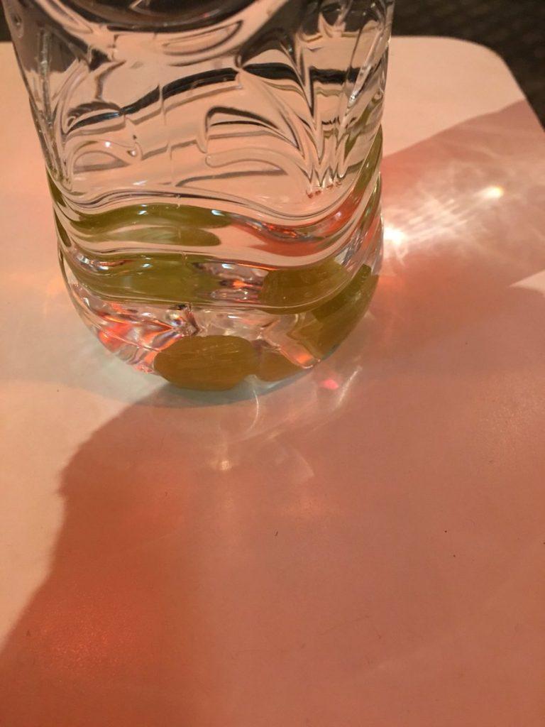 喉痛めた時 龍角散のどすっきり飴 水 ドリンク