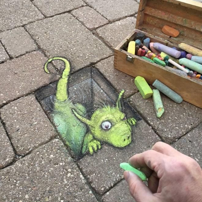 街中の道路や階段などに描かれたチョークアートが可愛くてクオリティが高いと話題に!