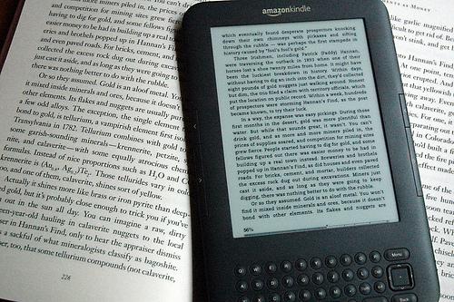 電子書籍より紙の本が良い理由について投稿されたツイートに反響多数!