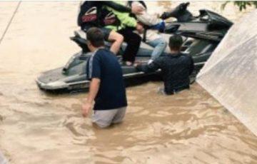 【西日本豪雨】水上バイクで被災者を救助をする人たちが話題に!ネットの声「まさにヒーロー!」