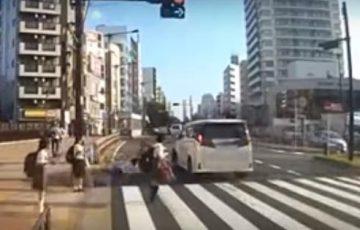 【動画】吉澤ひとみ容疑者のひき逃げ事故の瞬間のドラレコが公開される!