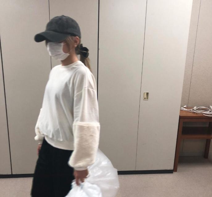 2018年の地味ハロウィンもシュールすぎるネタが満載!:オフの日にゴミ捨てしてる芸能人
