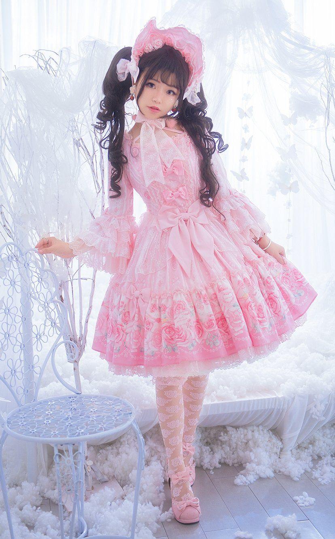 ロリータファッションの服装