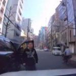 【拡散希望:犯人情報求む】納車したての新車でディーラー出たら当て逃げ、暴行されました。