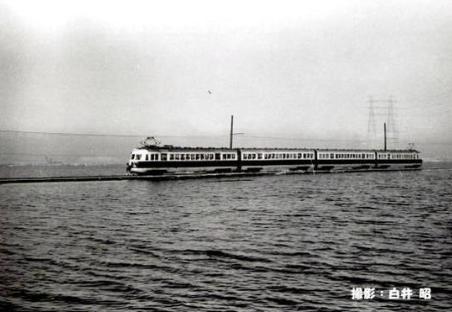 千と千尋の神隠しで出てきた電車のモデルは名鉄の常滑線