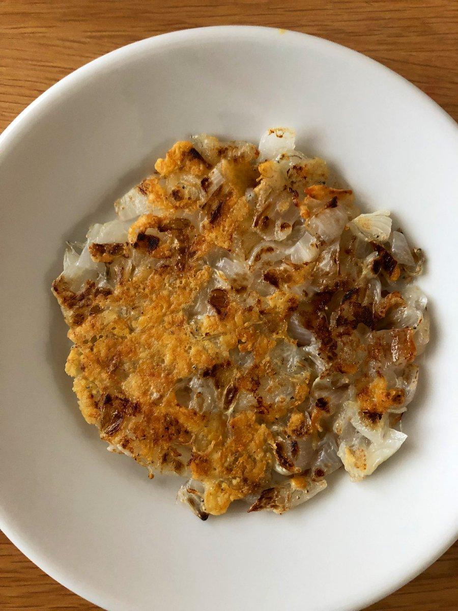 新玉ねぎをめちゃくちゃ美味しく食べられる「ハッシュドオニオンチーズ」のレシピが本当に美味しそう!
