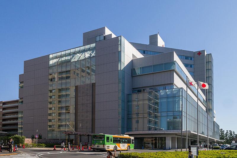 ジャニーさんの搬送された病院は広尾の日赤病院