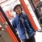 【動画】2年前に炎上したピザダーノの元配達員が今度はバス停にバイクを違法駐車!それを注意され喧嘩口調で逆ギレ!