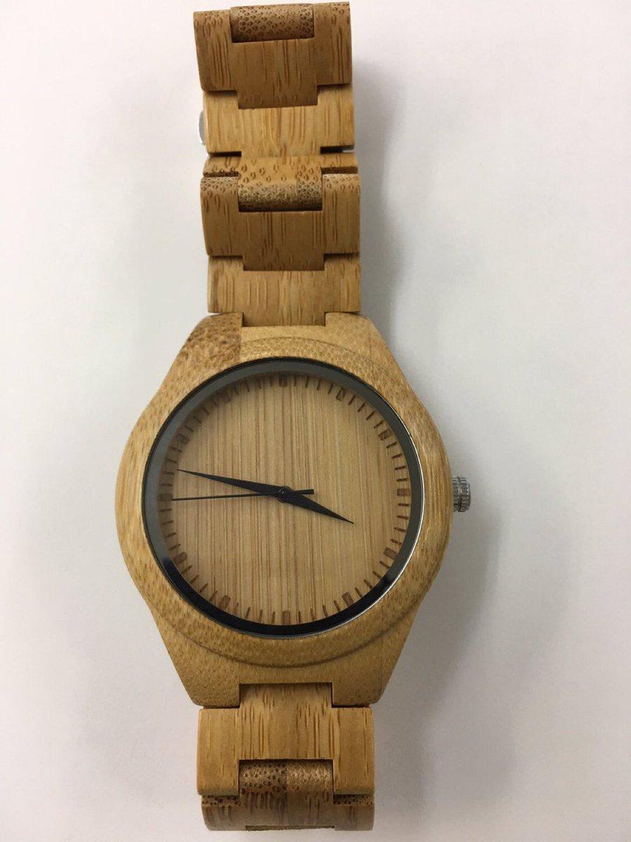 河野の右手に「金時計」。どうして「金権」をひけらかすのだ!⇒河野太郎大臣 「竹製ですが、何か?」