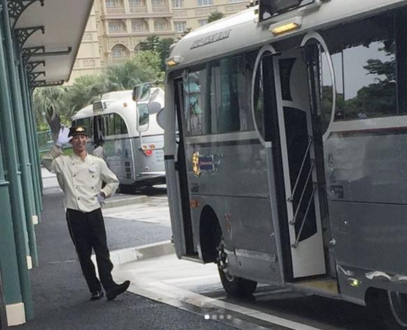 【動画】東京ディズニーリゾート行きのホテルから出るバスの運転手(中川亮)さんのトークが面白すぎると話題に!