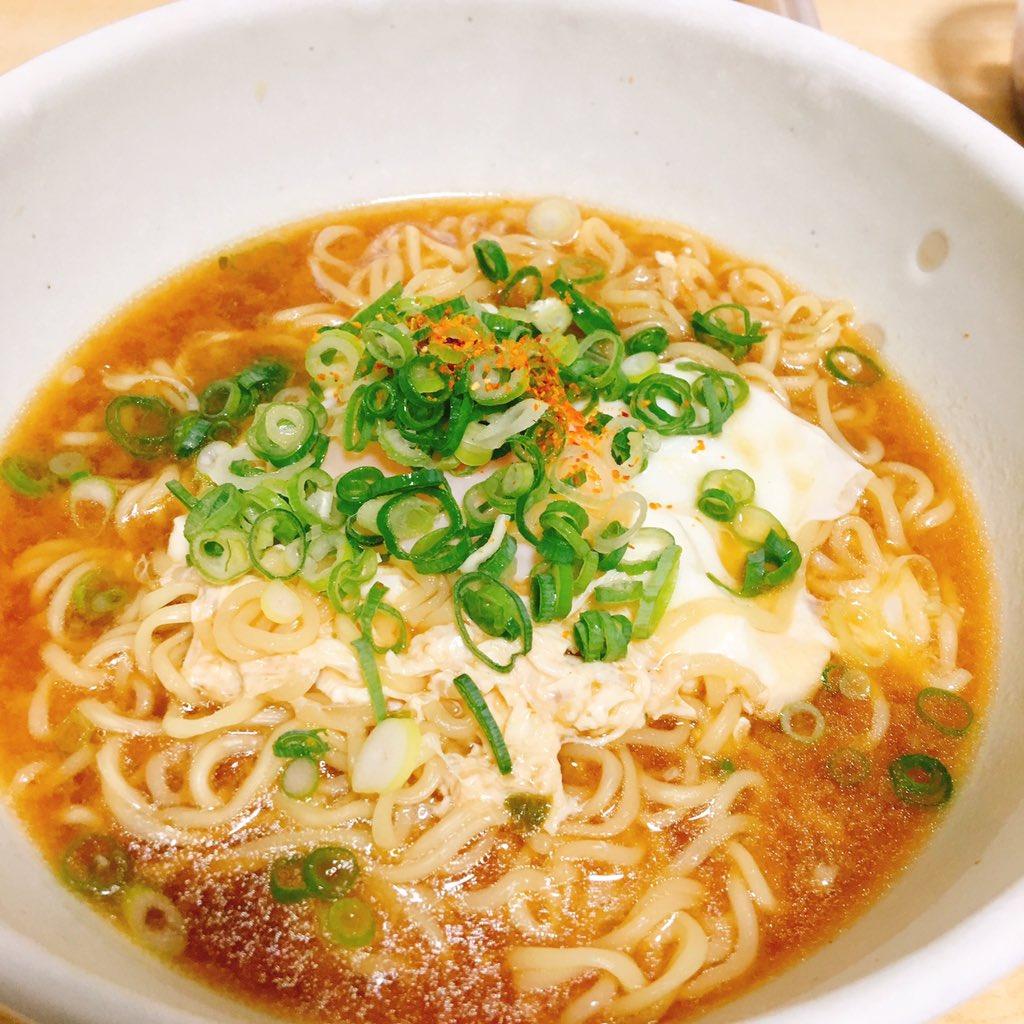 「世界一旨いサッポロ一番みそらーめんの作り方」というレシピで作った味噌ラーメンが本当に美味しいと話題に!