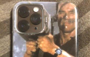 コマンドーのiPhone 11 Pro用のスマホケースがかっこよすぎるwww