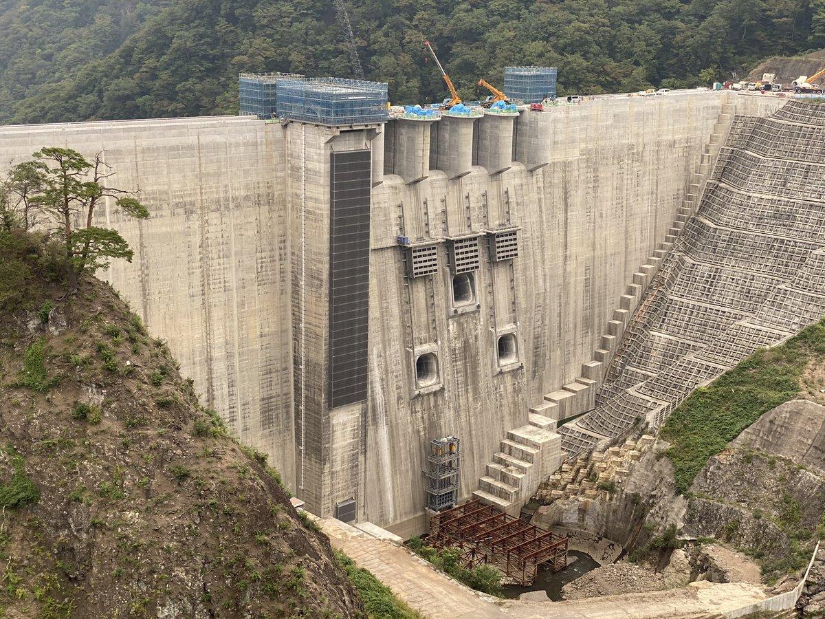民主党にあれだけ叩かれた八ッ場ダムが完成前の試験湛水中にもかかわらず台風による利根川の洪水を防いだ姿がまさにヒーローだと話題に!