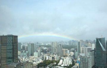 天皇陛下の即位礼正殿の儀の30分前に大雨から晴れになり皇居をまたがる形で虹がかかる奇跡!ネットの声「リアル天気の子」