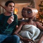 スティーヴン・スピルバーグ監督の傑作「E.T.」のその後を描く短編動画が話題に!エリオット役のヘンリー・トーマス本人も出演!
