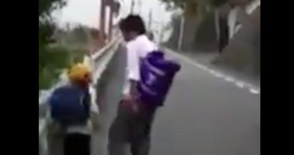 【動画】小学生に難癖つけて泣かかせる高校生が酷すぎる・・・