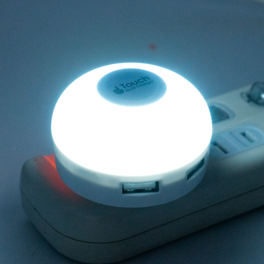 サンワのくるっと回る電源タップ(700-TAP020)が便利すぎる!スマホやタブレットも充電OK!