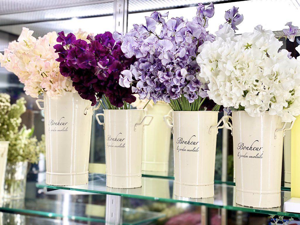 【拡散希望】「お花、切り花を買ってください」卒業式や謝恩会の中止で、花が余り過ぎている花屋が出ています。