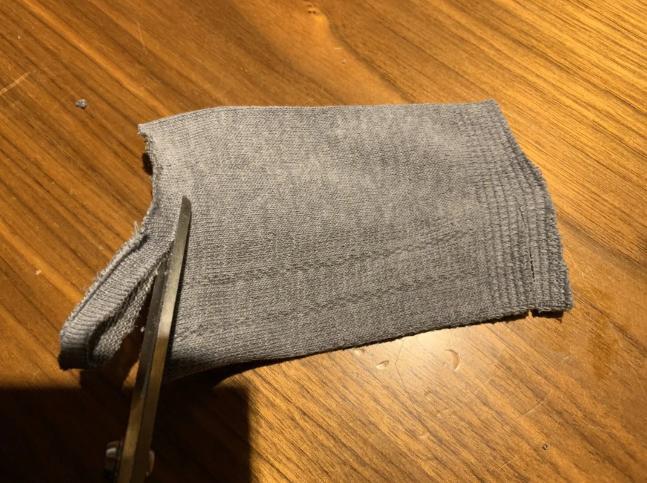 靴下からマスクを作る方法!手作りで4足1000円ソックスで8枚作れちゃう!
