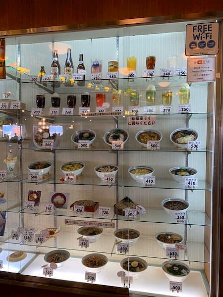 昭和のデパートの屋上の大食堂って今思うとささやかだけど、贅沢で幸せな時間だった