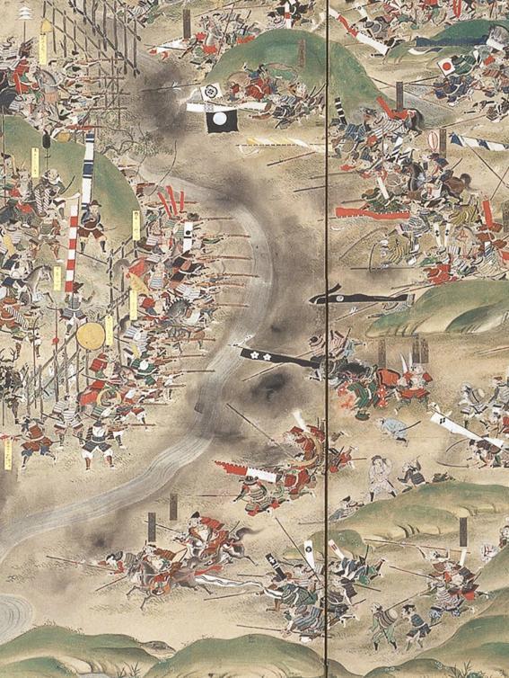 「長篠の戦い」の屏風絵に描かれている屈んで戦況を眺める軽装の一本差しの男は誰だか知ってますか?