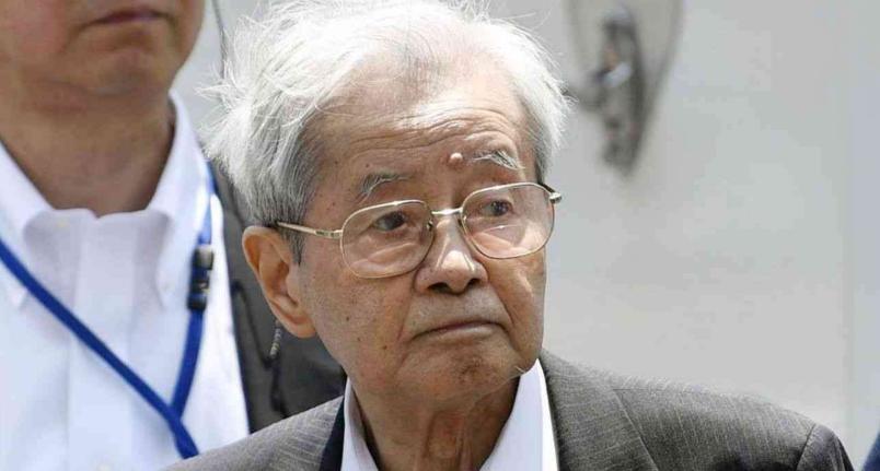 飯塚幸三の弁護士「罪を認めましょう」 飯塚幸三「うるさい!ワシは無罪じゃ!」 弁護士、裁判長「!?」