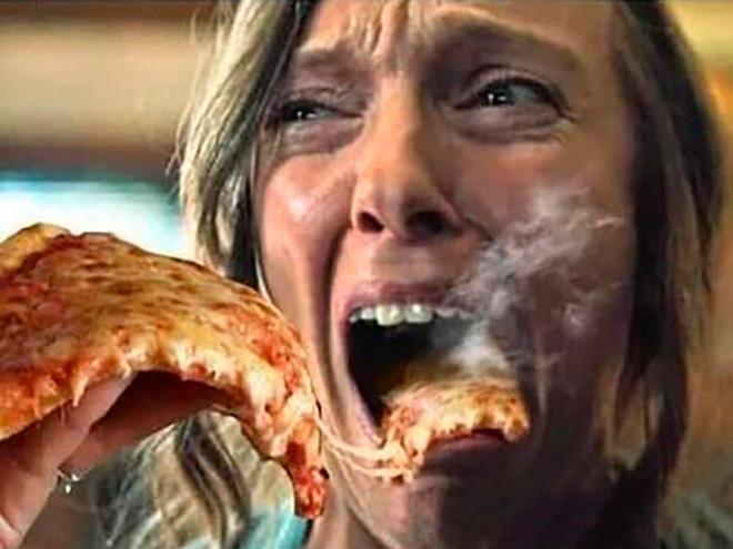 最高に面白いコラ画像まとめ:映画で叫んでる人にアツアツのピザを食べさせる