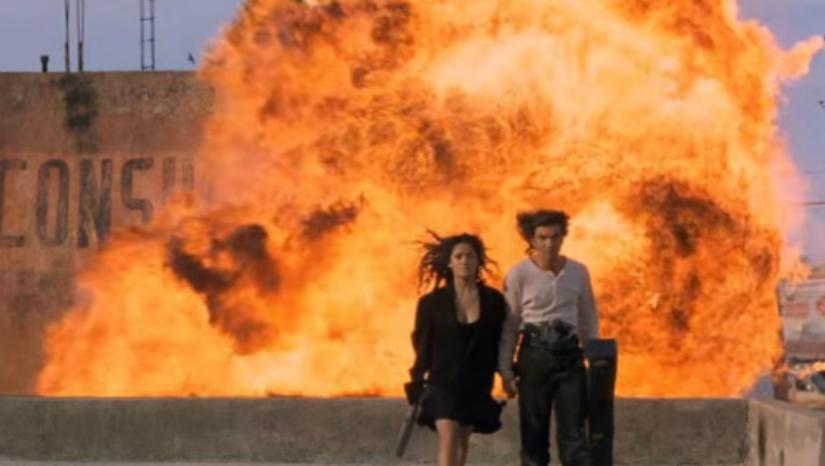 「自分が抜けたら会社が立ち行かなくなるのでは」と心配してる人は「爆発を背景に歩き去るの楽しいですよ」