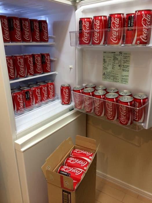 「#デブと言わずにデブを表現する」のハッシュタグにパワーワードが集結するwww:コーラ満載の冷蔵庫