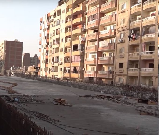 「クソ物件オブザイヤー2020」まとめ:自宅のベランダから高速道路に手が届くエジプトの物件
