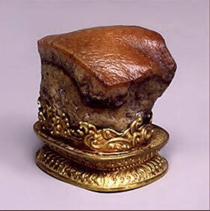 こちら国立故宮博物院にある角煮に見える石、その名も「肉形石」